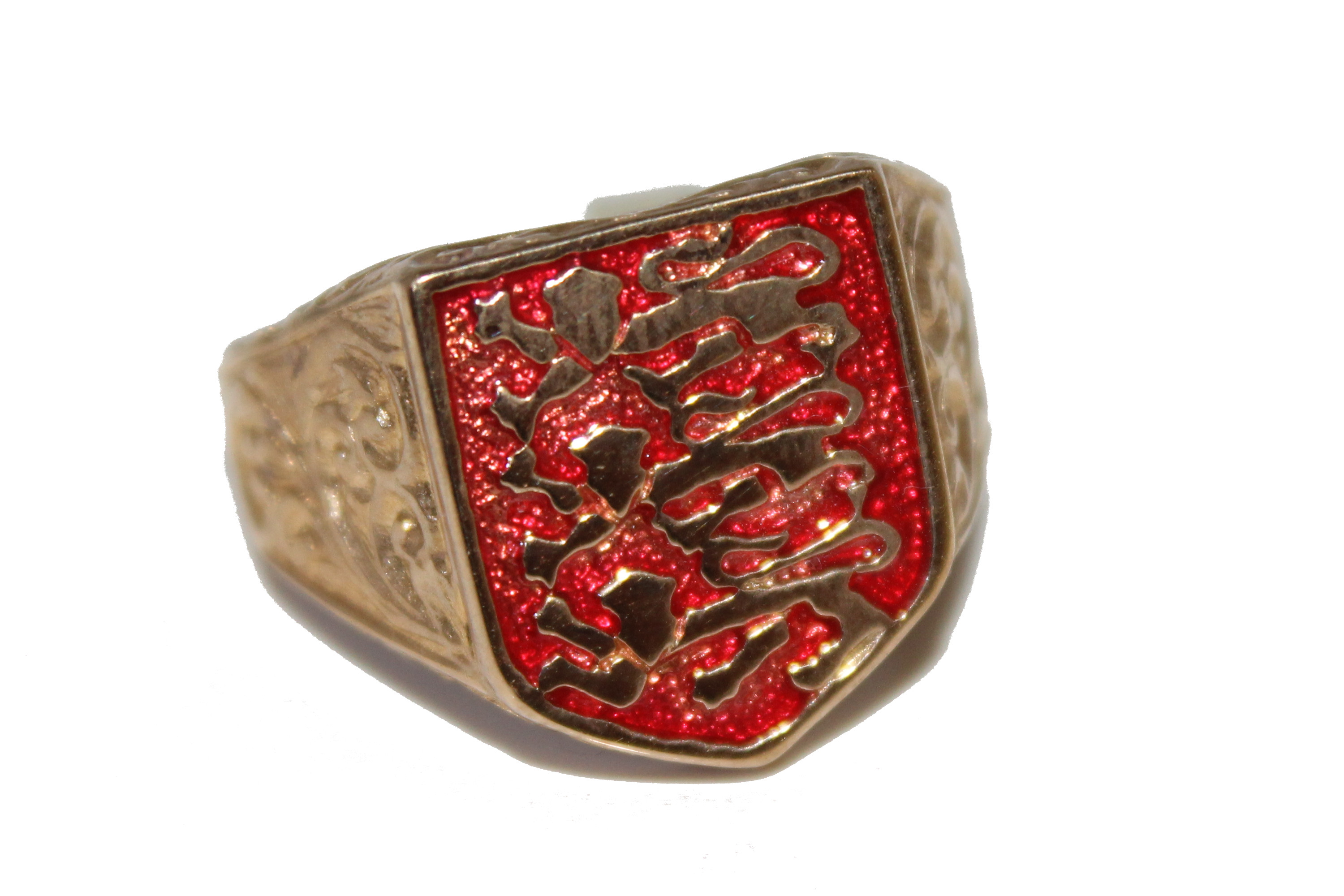 9ct Gents Ring 3 lions red £225 5.2
