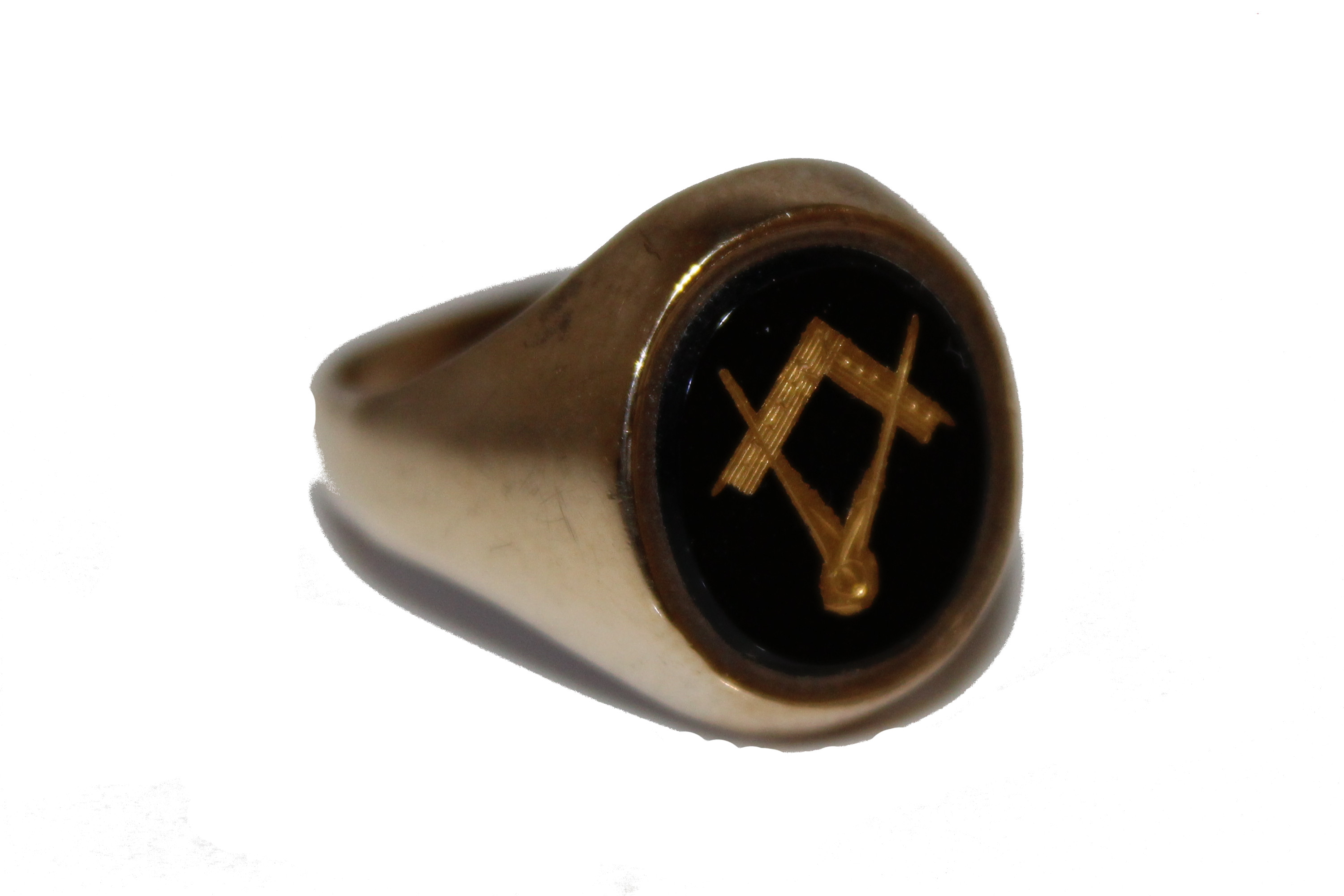 9ct Gents Ring masonic £255 5.3