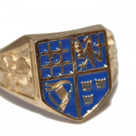 9ct Gents Ring sheild ring £345 W 9.2