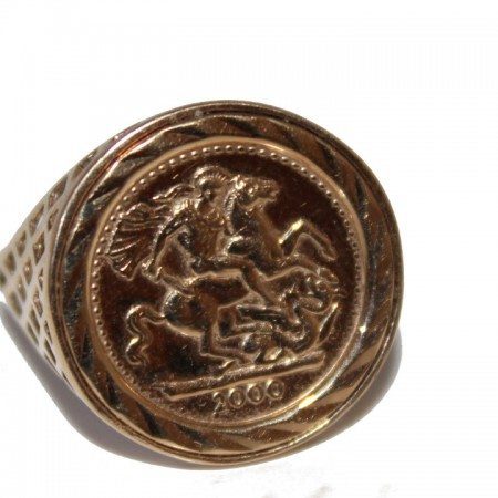 9ct Gents Ring st george £75 O 2.3